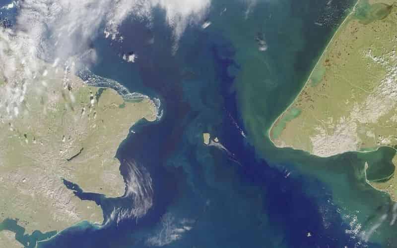 îles_Diomède_détroit_Béring_Alaska_Russie_carte_satellite