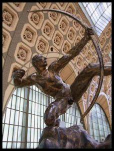 Héraklès tue les oiseaux du lac Stymphale, sculpté par Antoine Bourdelle en 1909.