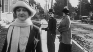 Charlie Chaplin meme original (Distracted Boyfriend) - issu du film Jour de Paye sorti en 1922