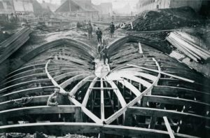 Photographie des travaux du voûtement de la Senne à Bruxelles, fin du XIXème siècle: construction des égoûts.