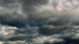 Ciel couvert de nuages, obnubilé de nuages