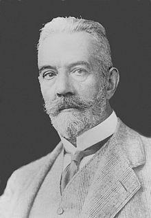 Theobald_von_Bethmann-Hollweg_chancellier_impérial_allemand_1917