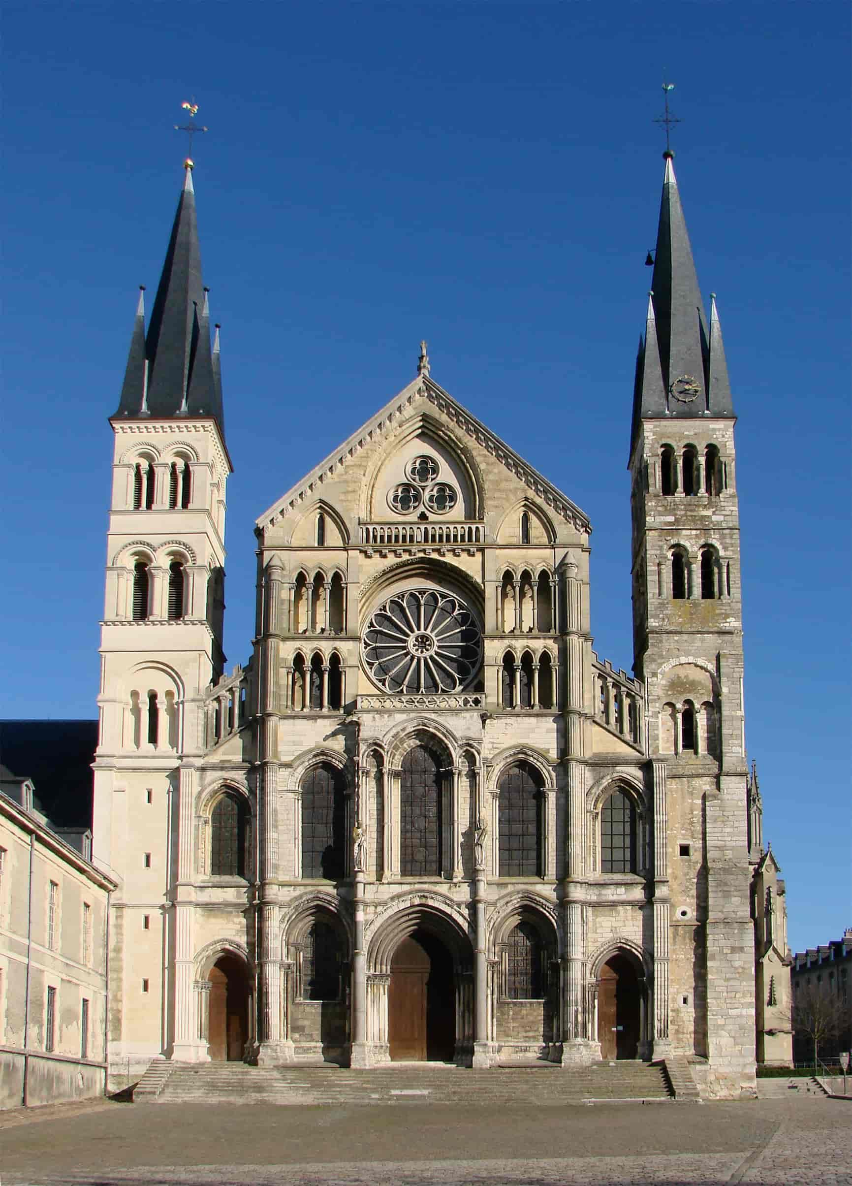 Basilique Saint-Remi de Reims du bapteme de Clovis