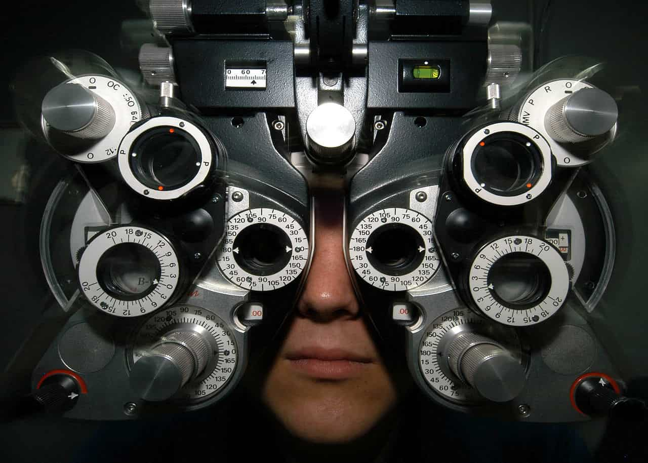 Que fait un opticien ou un ophtalmologue ?