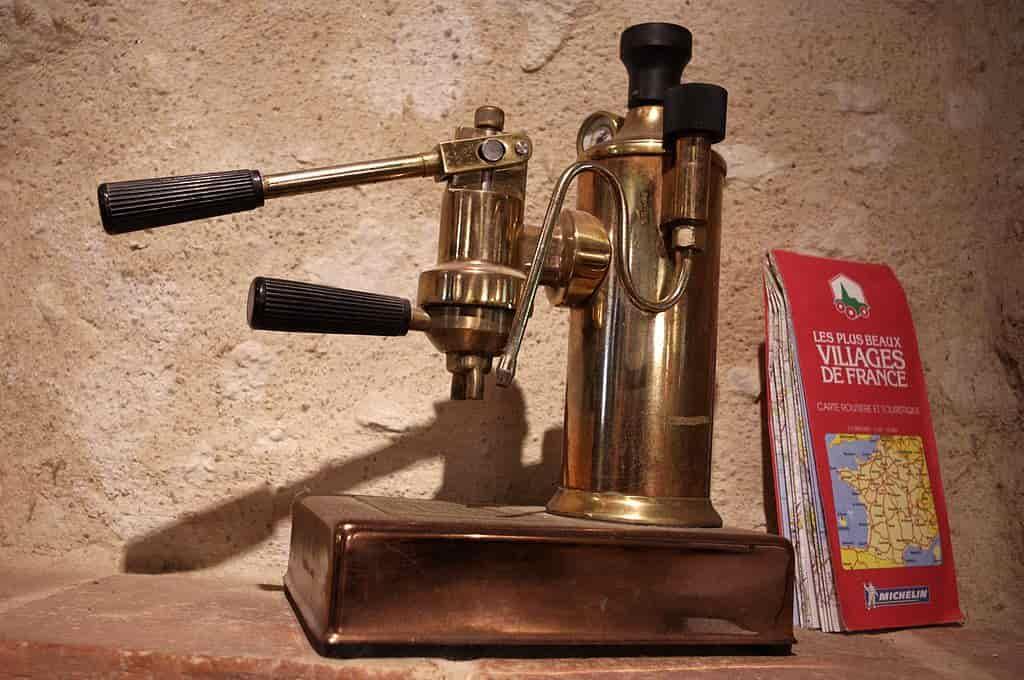 Machine à espresso à piston